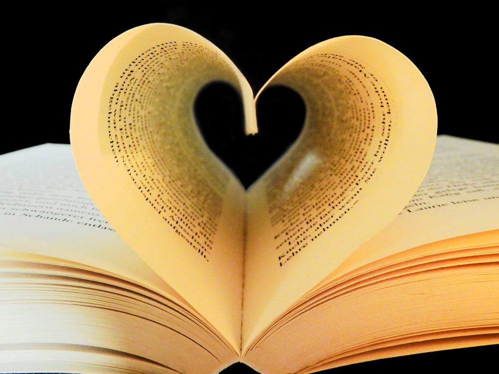 book-2135814_1920